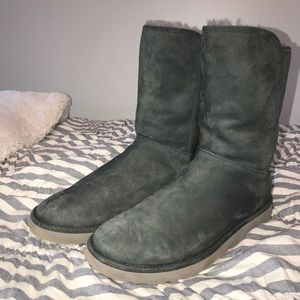 Authentic Abree II Short Uggs size 10